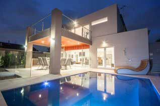concrete pool builders